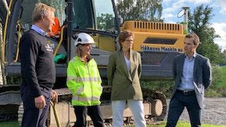 Tirsdag 3. september 2019 tok ordfører Lene Conradi første spadestikk for den nye ishallen.
